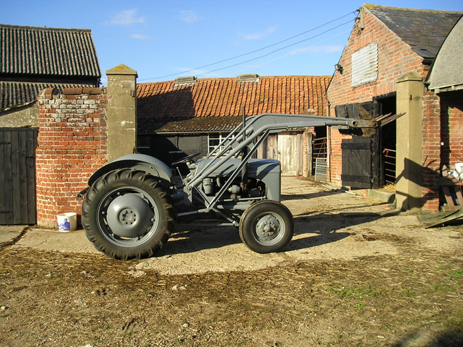 ploughmyfield com » MIL Loader Fitting